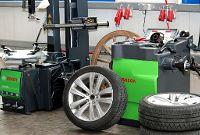 Reifen Moniermaschine und Wuchtmaschine