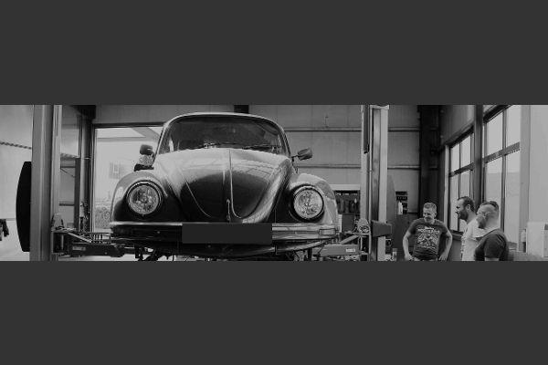 Oldtimer, Käfer in der Werkstatt