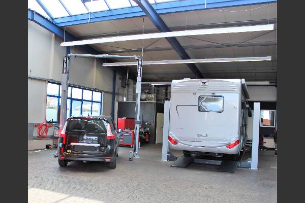 Wohnmobil in der Werkstatt