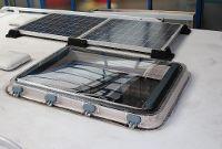 Solarpanele, Solarplatten und Dachfenster Reisemobil