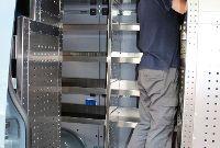 Regalsystem Montage in der Werkstatt
