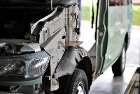 Ford Transit, Bauteile demontiert zur Rostsanierung