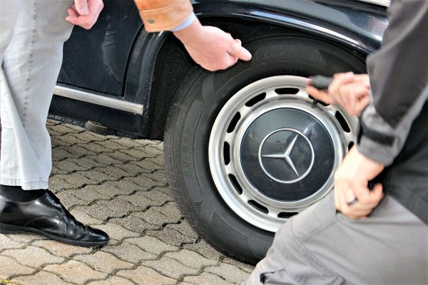 Rad - Oldtimer Mercedes Benz