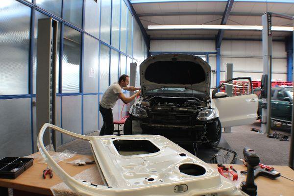 Unfallschaden, Reparatur VW Polo