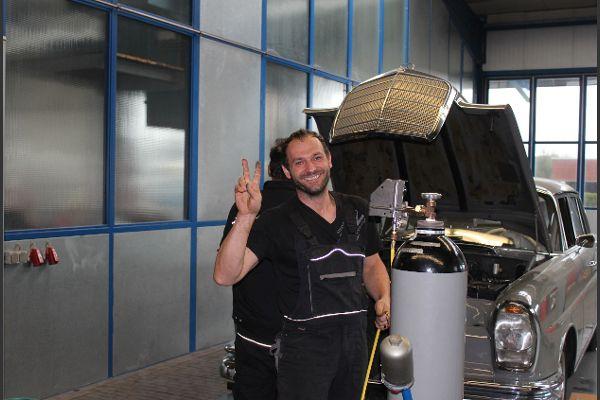 Wie immer bei uns in der Werkstatt - wir haben Spaß an der Arbeit!